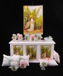 Shabby Chic Display 1 by de Pronkkamer