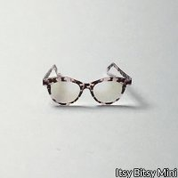 Dollhouse Miniature Sunglasses - Female - Lilly