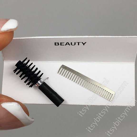 Dollhouse Miniature Beauty Round Brush and Comb - Click Image to Close